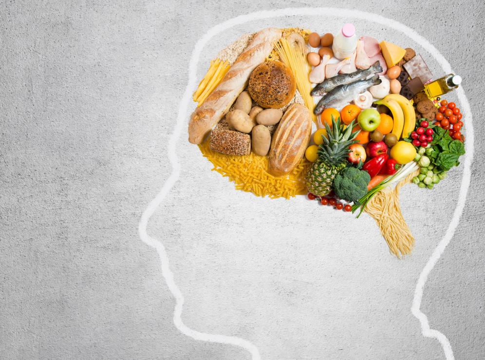 """Τόνωσε τον εγκέφαλό σου με """"έξυπνες"""" τροφές"""